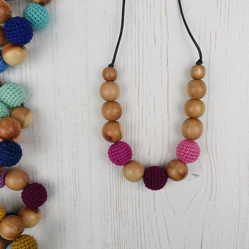 Cleopatra: Fair Play Wooden Teething Necklace, Juniper