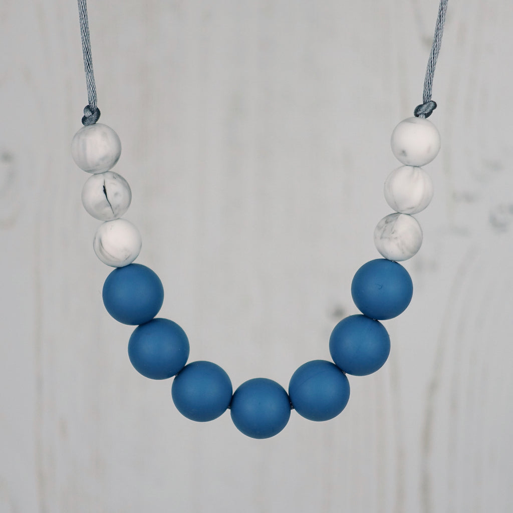Niagara Falls: Bubbles Teething Necklace