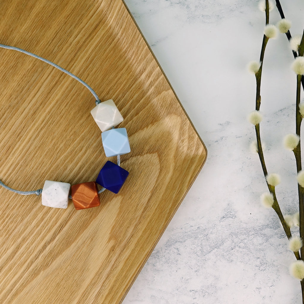 Seoul: Take Five Teething Necklace