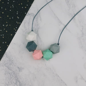 Lyra: Five Stars Teething Necklace - Pebbles and Lace