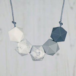 Delphinus: Five Stars Teething Necklace - Pebbles and Lace