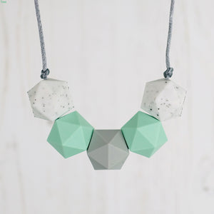 Gemini: Five Stars Teething Necklace - Pebbles and Lace
