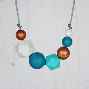 Oprah: Inspirations Teething Necklace - Pebbles and Lace