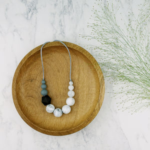 Wagtail: Sky High Teething Necklace - Pebbles and Lace