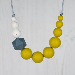 Woodpecker: Sky High Teething Necklace - Pebbles and Lace