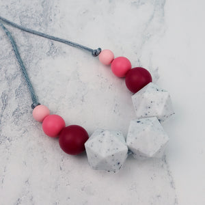 Hadar: Stellar Teething Necklace - Pebbles and Lace