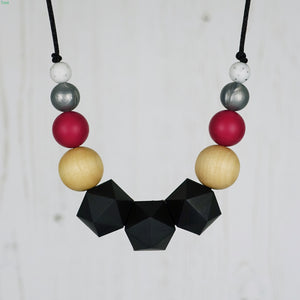 Queen of Hearts: Wonderland Teething Necklace - Pebbles and Lace