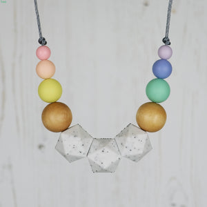 The Dodo: Wonderland Teething Necklace - Pebbles and Lace