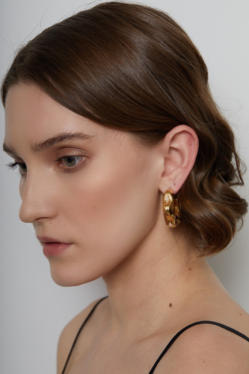 FEMININE WAVES PAVE HOOP EARRINGS