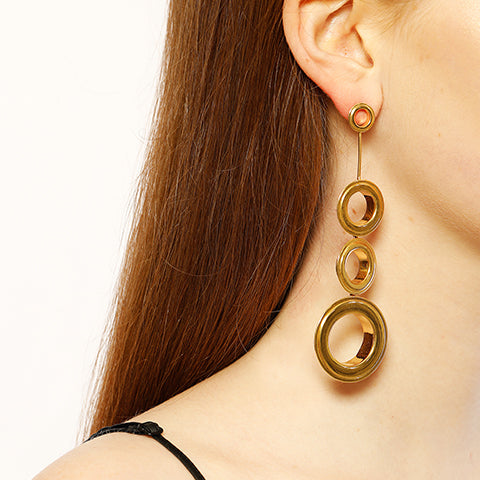 ASYMMETRICAL GROMMETS EARRINGS