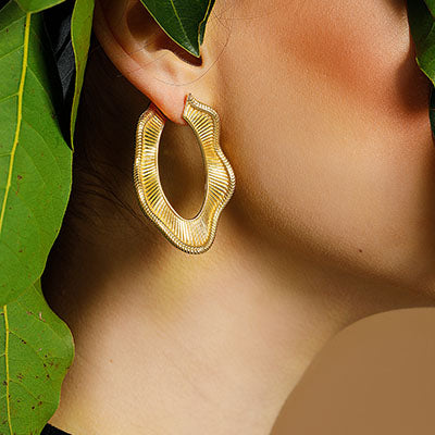 COLLAR STATEMENT EARRINGS