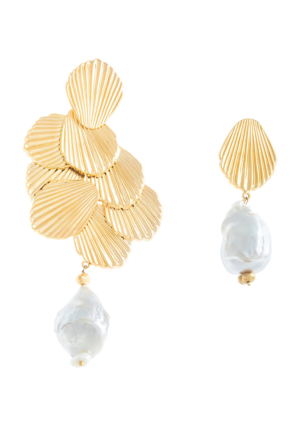 ASYMMETRICAL SEASHELL PEARL EARRINGS