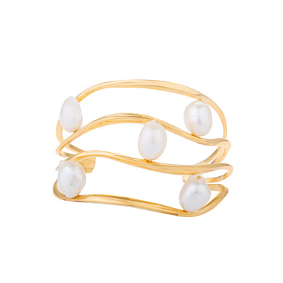FEMININE WAVES STATEMENT PEARL CUFF