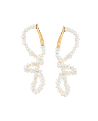 FEMININE WAVES PEARL EARRINGS
