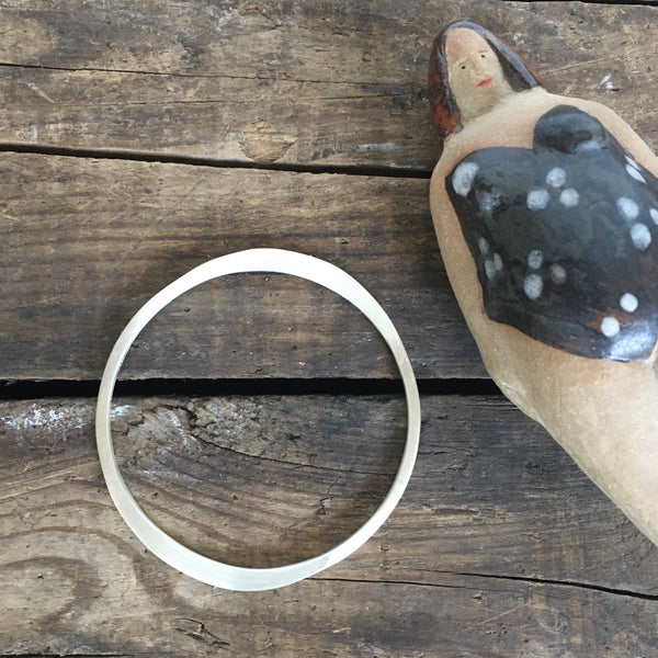 Hammered Flat Silver Bangle Bracelet - Round