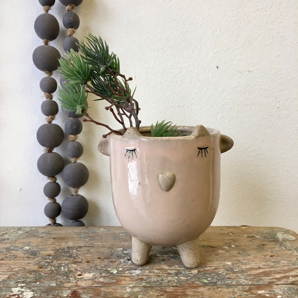 Little Lamb Pot- Blush