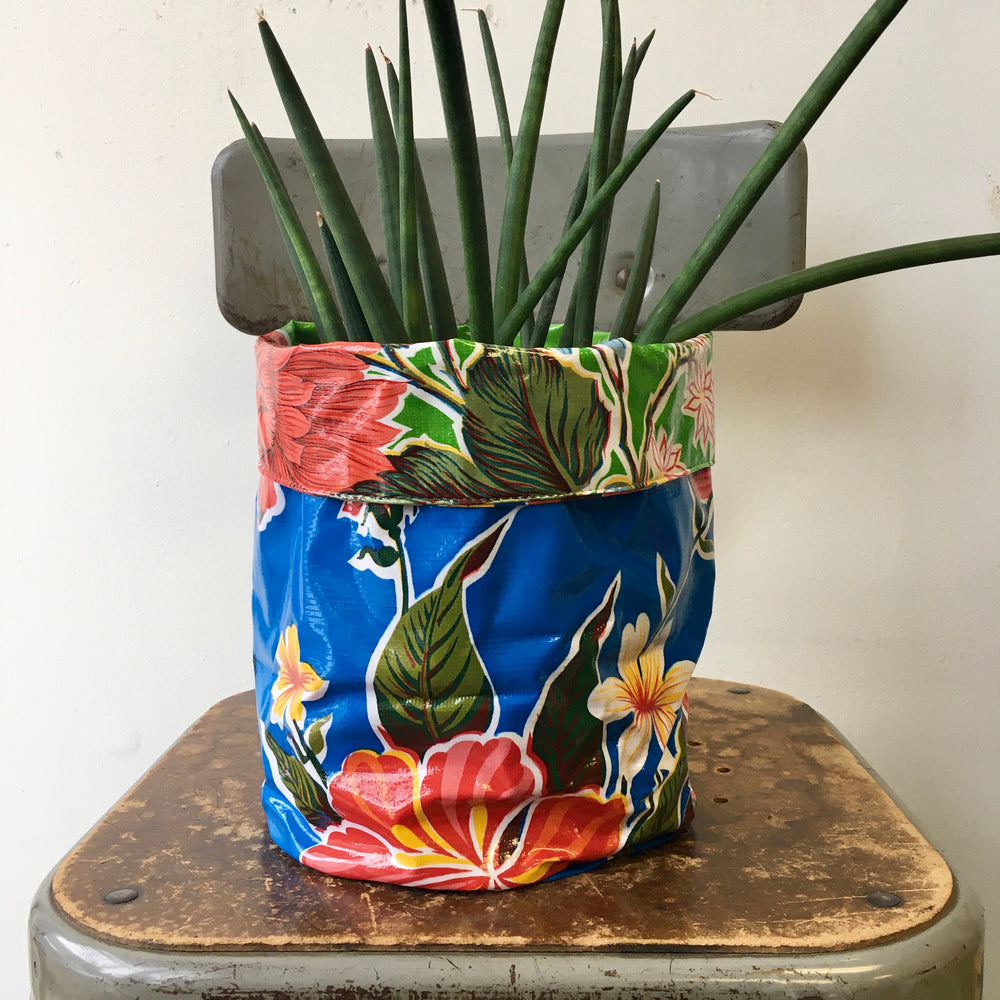Reversible Oil Cloth Planter Sleeve - Blue/Lime