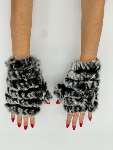The Mandy Mitten - Grey With Black Tips