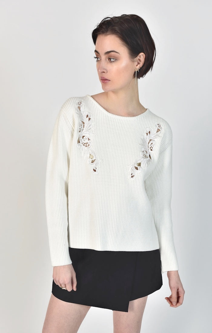 87322 Chloe Floral Embroidery Sweater (PRE-ORDER)