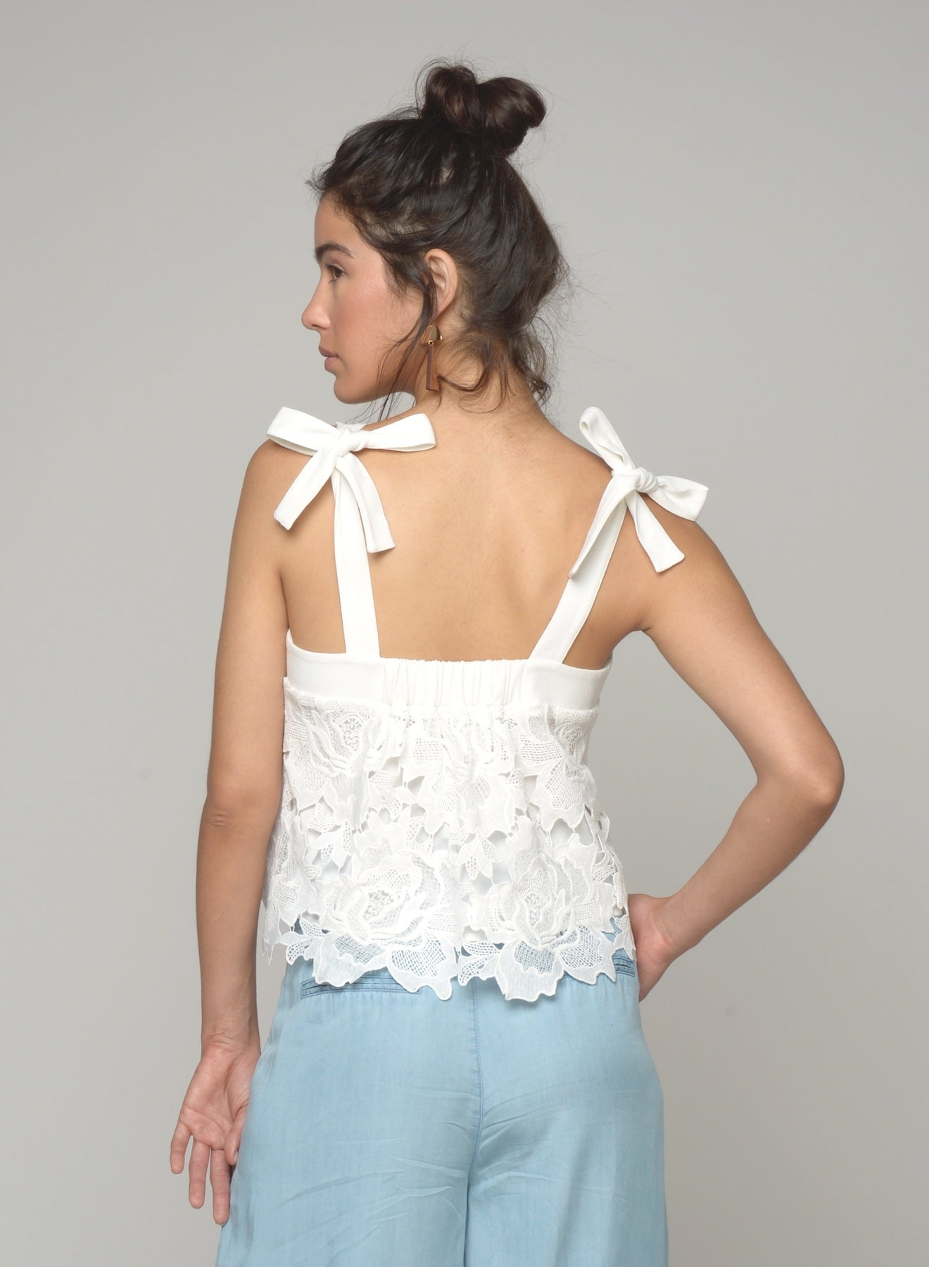 88129 Tallulah Floral Lace Tied Top