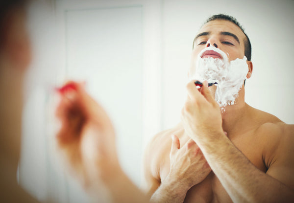 How to Use Essential Oils for the Perfect Shave