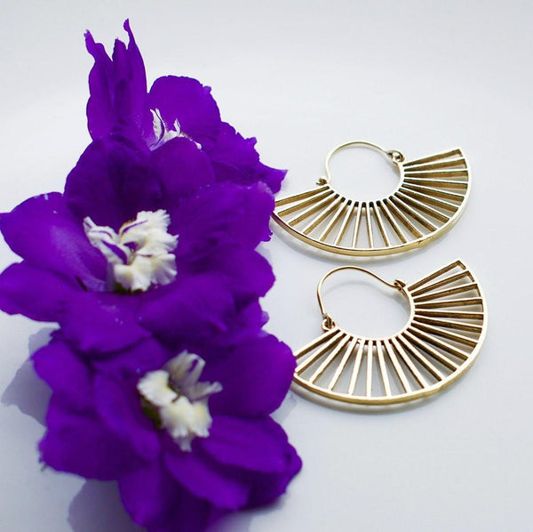 19 bridges earrings with purple flowers