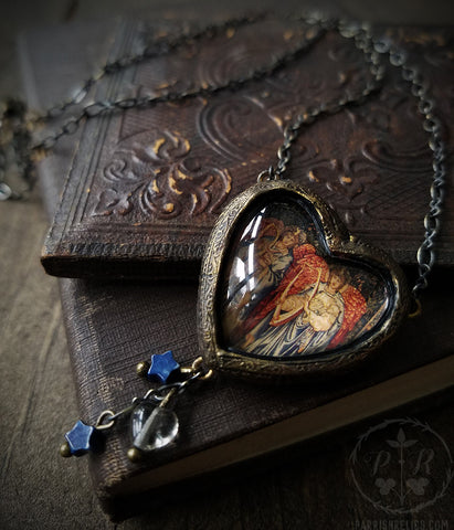 Angeli Laudantes ~ Heart Pictorial Shrine Amulet
