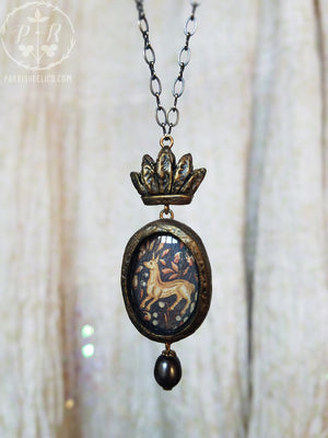 The Crowned Doe ~ Pictorial Shrine Amulet