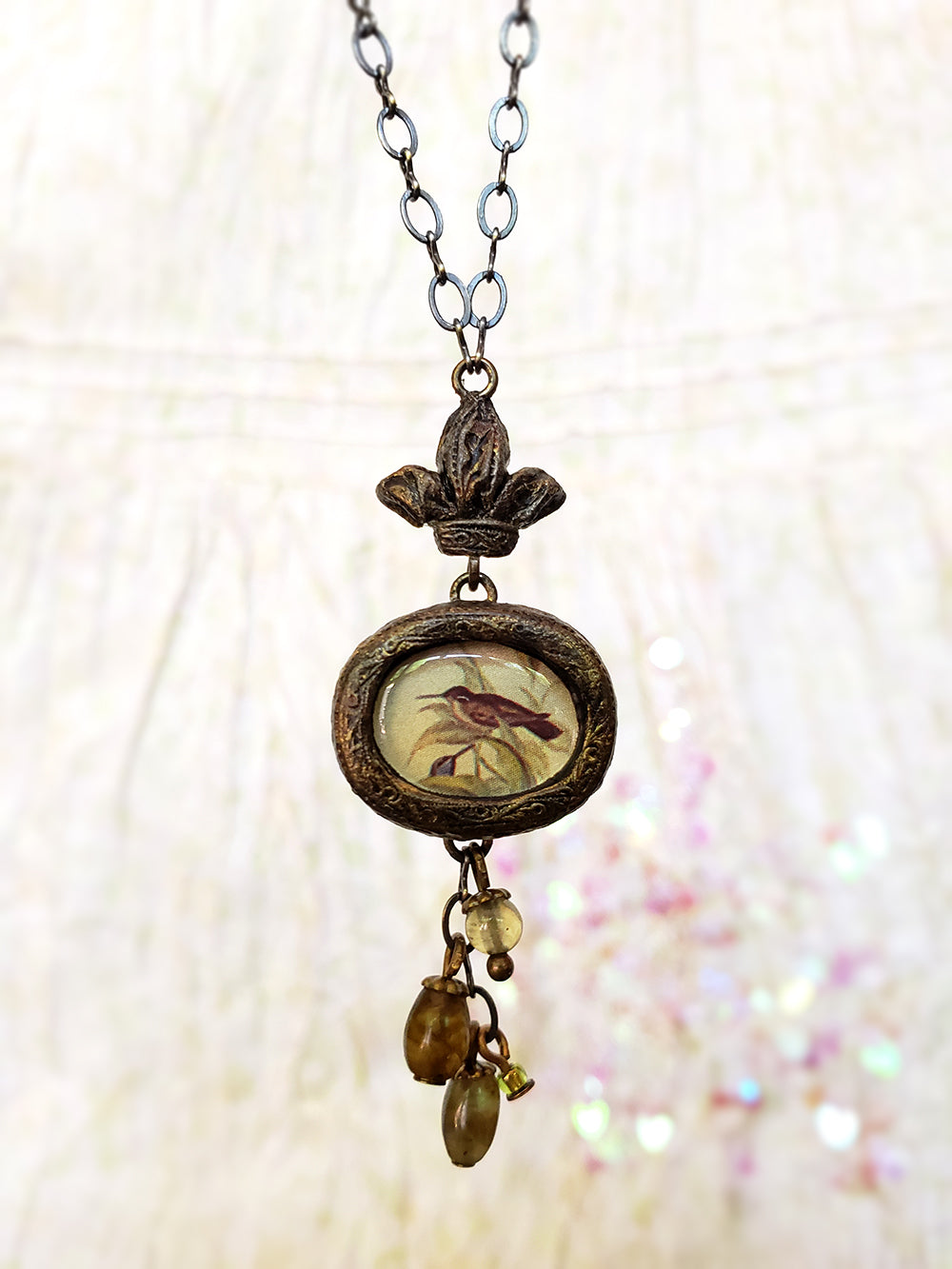 Crowned Hummingbird Pictorial Shrine Amulet