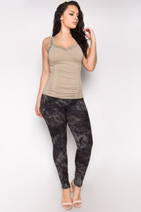 Plus Size - Alternative Leaves Leggings