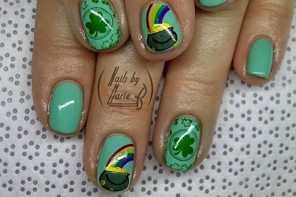Reach for Gold with Stunning St. Patrick's Day Nails