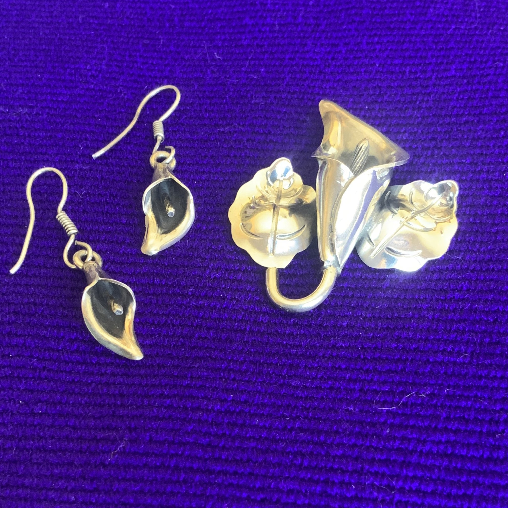 Calla Lily Pendant and Earring Set