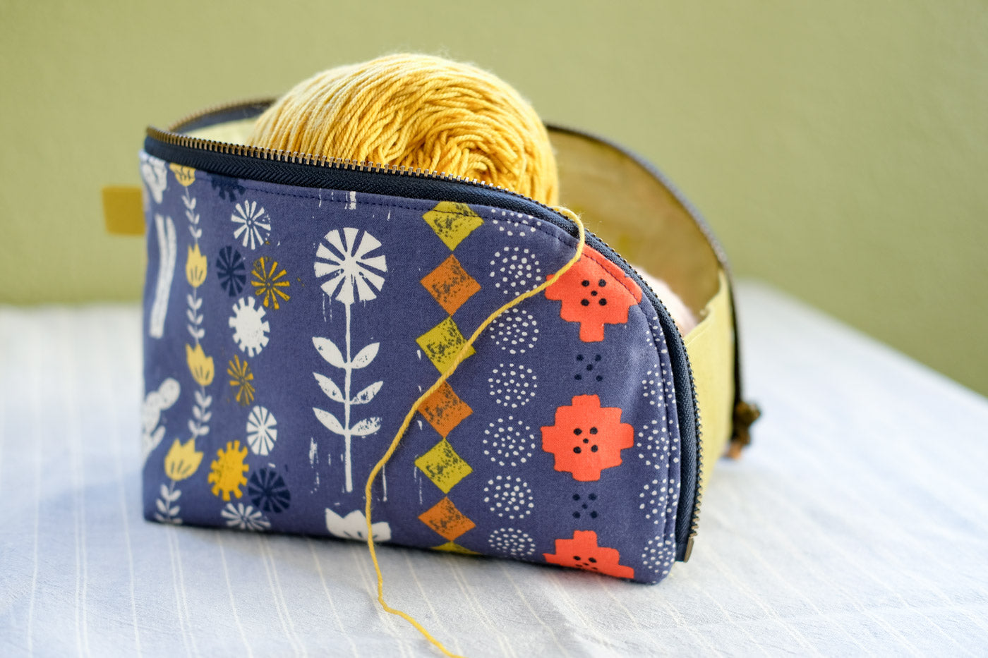 Caitlin's Open-Out Box Pouch by Aneela Hoey filled with yarn