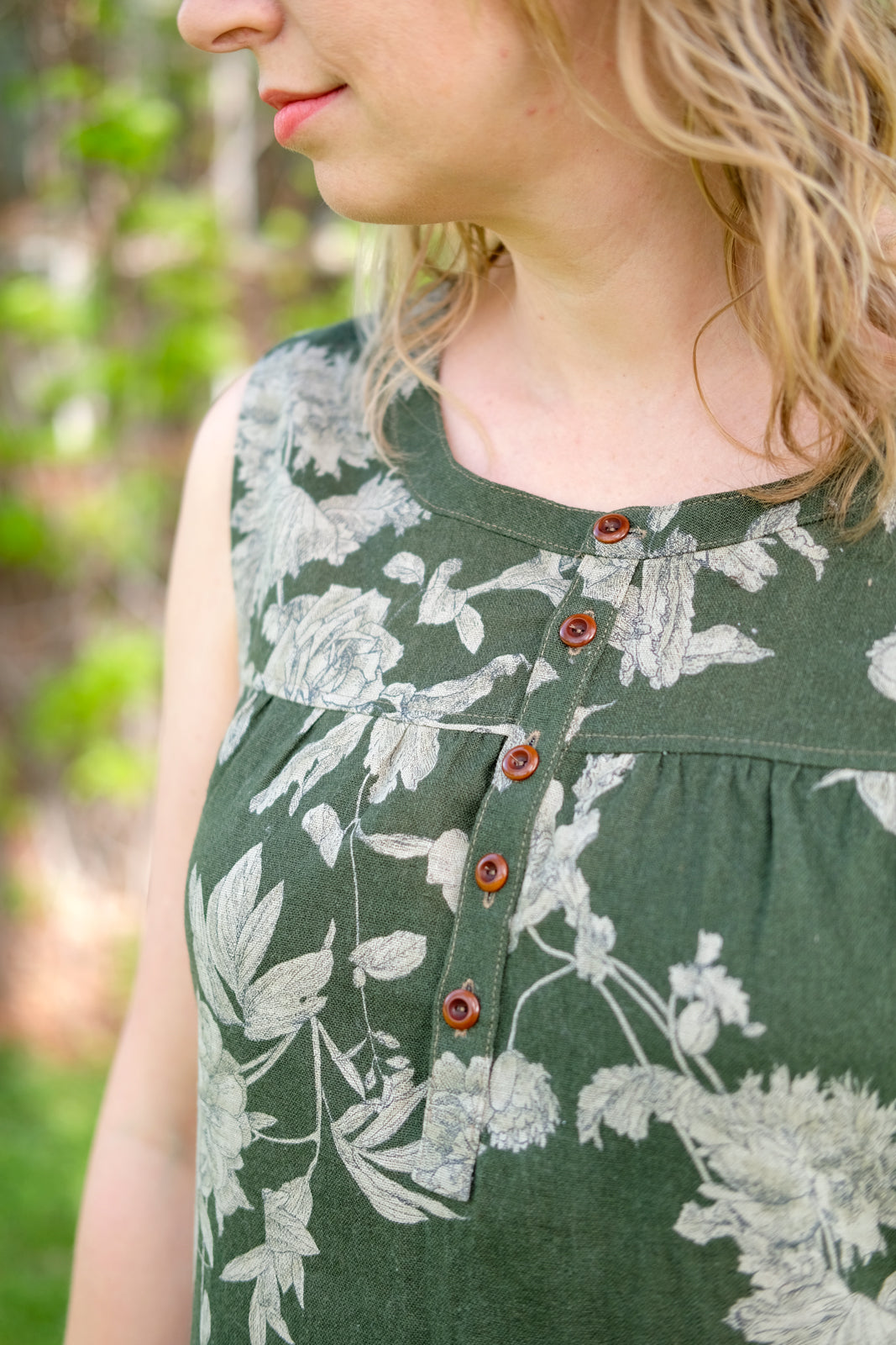 Partial Placket Detail on Amber's Green Floral Linen Brome Maxi Dress