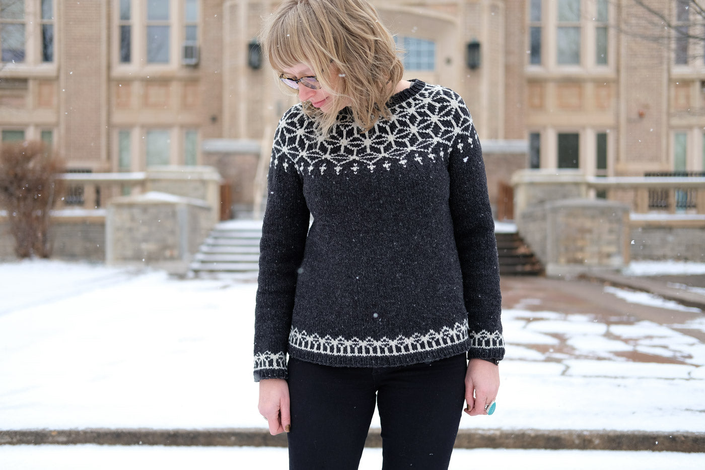 Amber in her Dark Grey Brooklyn Tweed Tensho Pullover