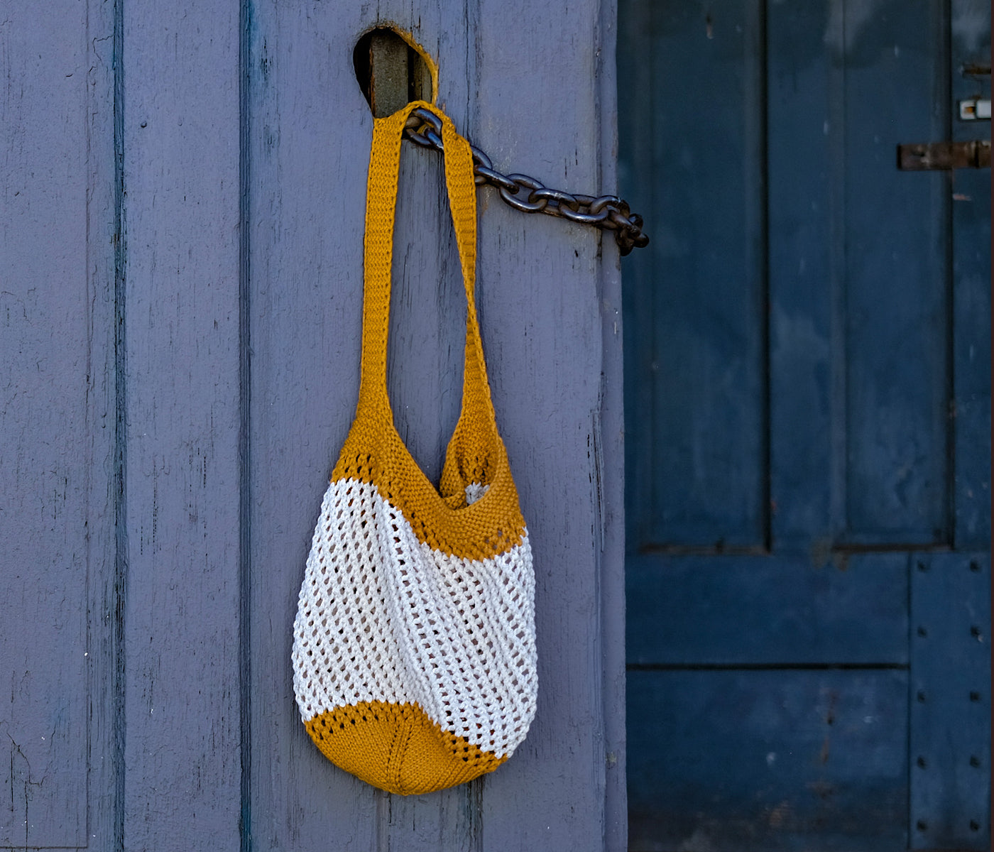 Rae's eco-friendly market bag made with recycled fiber yarn
