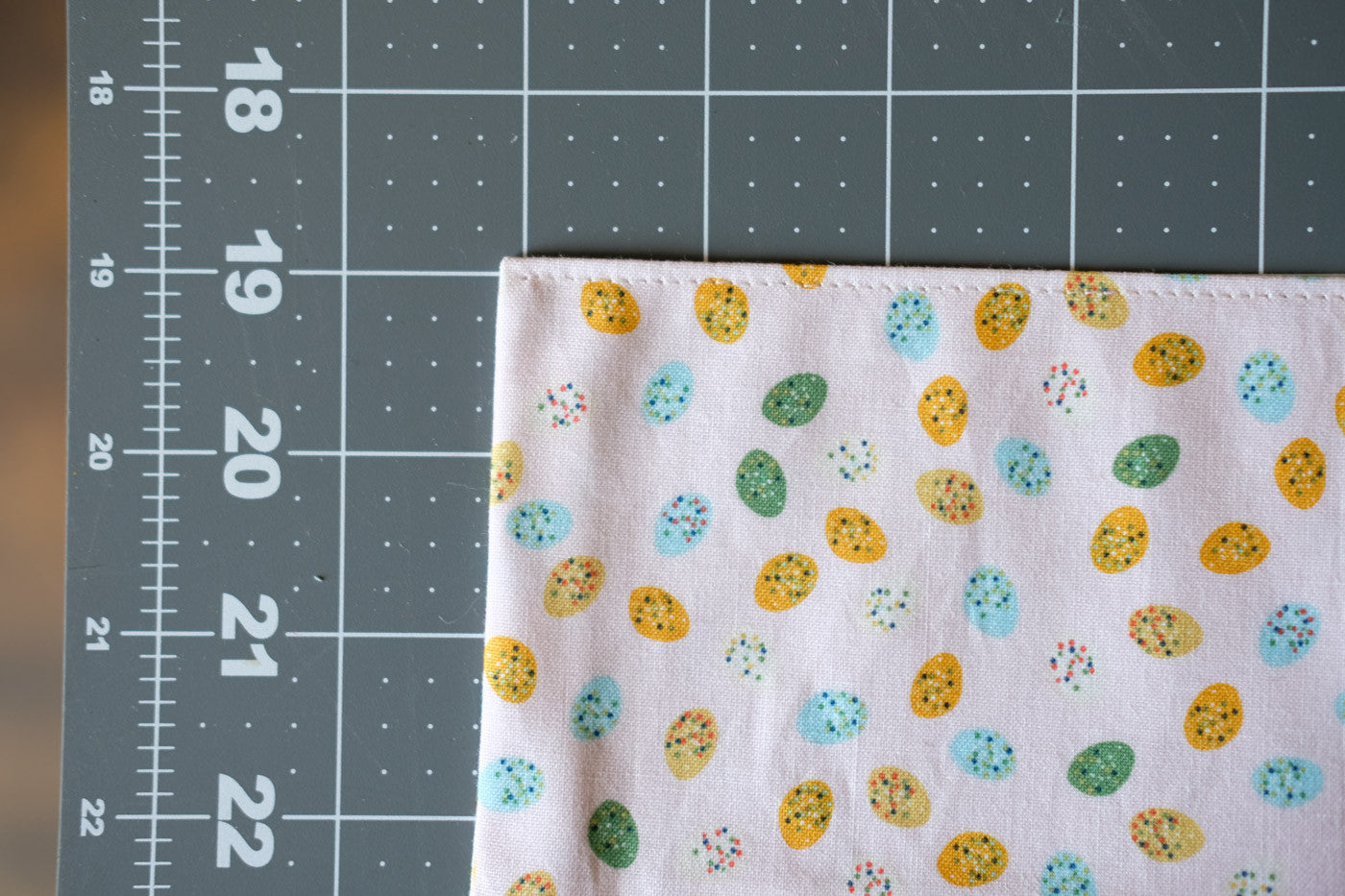 Egg Pocket Top Stitching