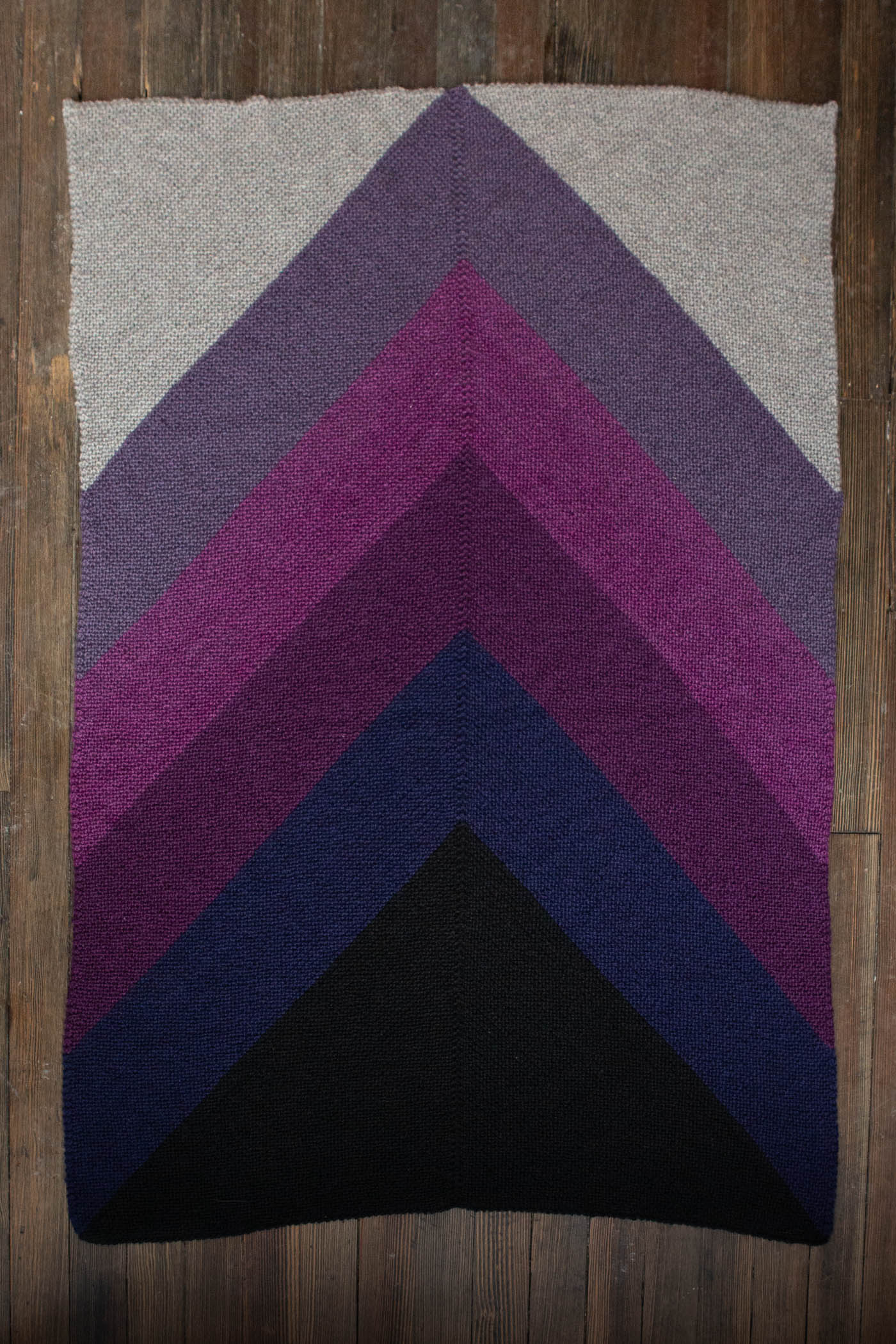 Knitted chevron blanket