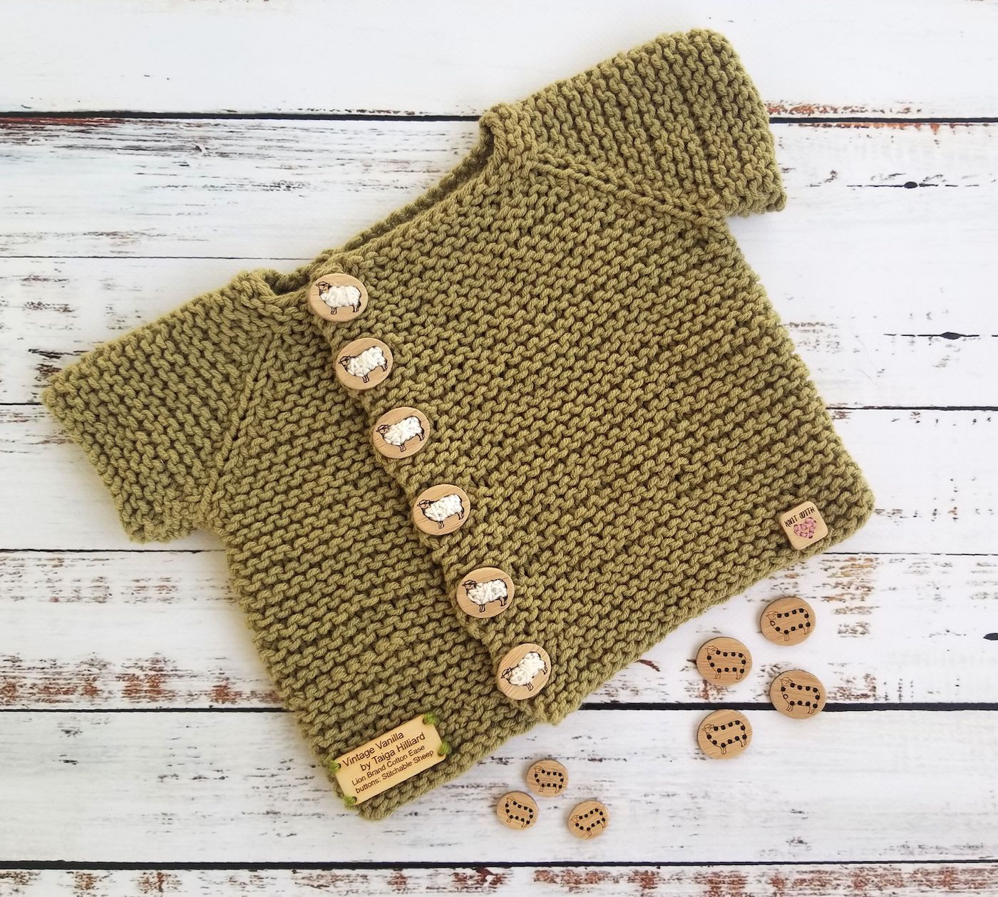 Knitted sweater with buttons