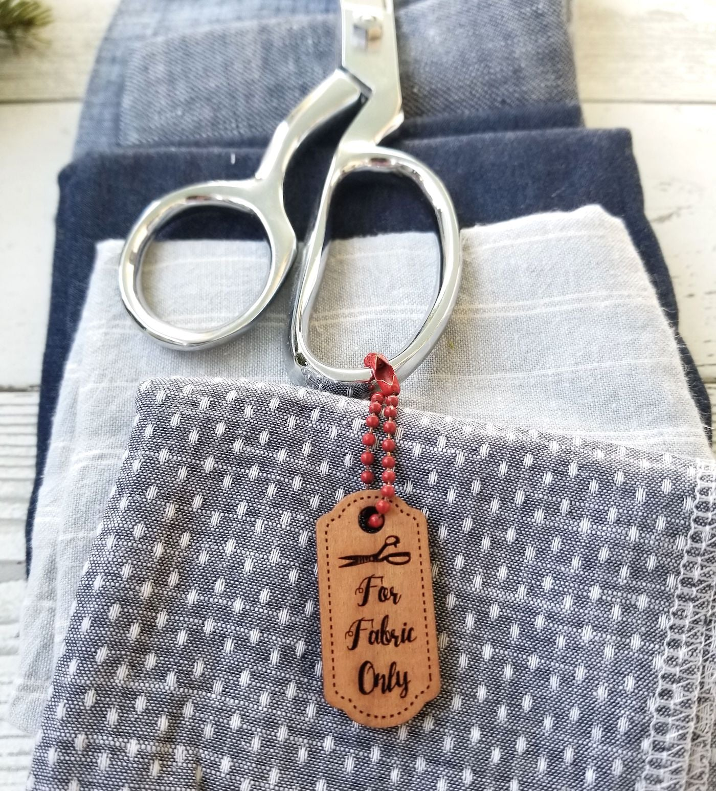 Scissors with tag