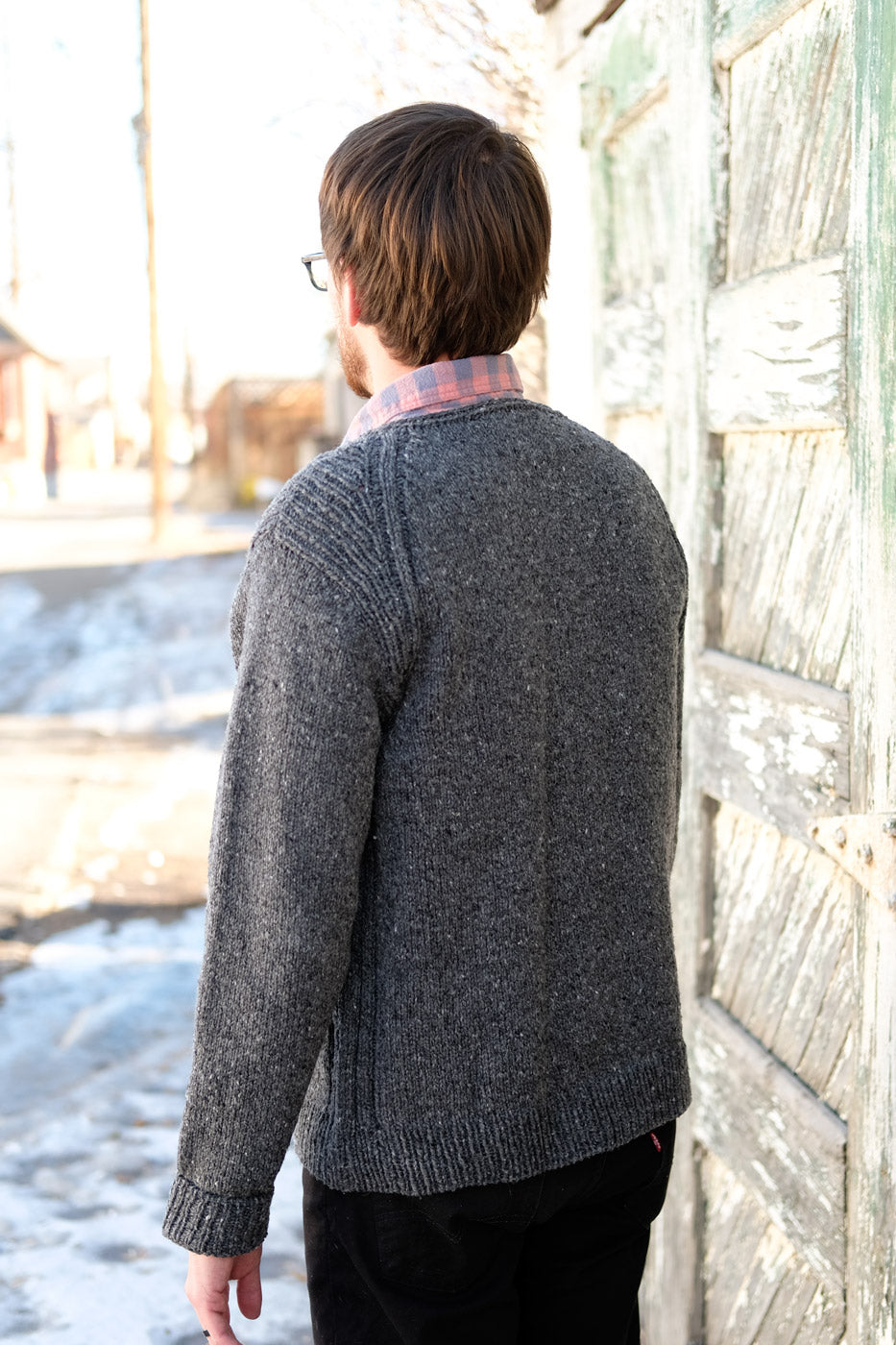 Rift Sweater in Brooklyn Tweed Shelter from behind