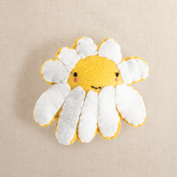 Flora the Shy Daisy Felt Stitching Kit