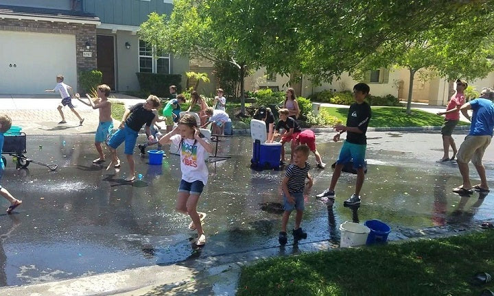 EPIC WATER BALLOON FIGHT