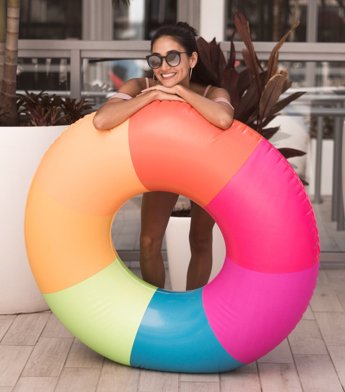 Rainbow luxury pool float