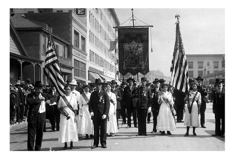 an early memorial day procession