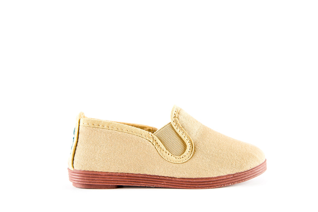 SLIP-ON CANVAS