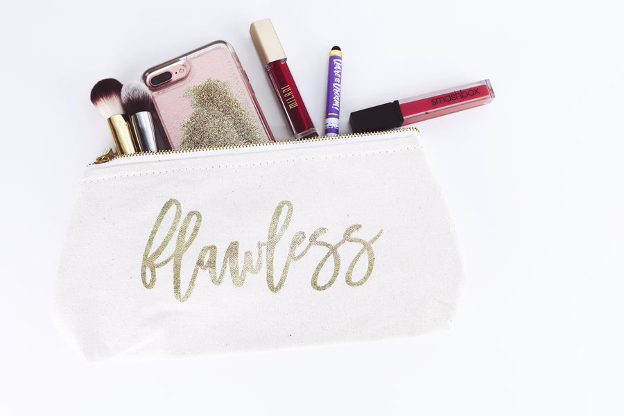 WHAT'S IN YOUR MAKEUP BAG?