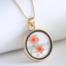 Load image into Gallery viewer, Real Dried Flower Pendant Necklace