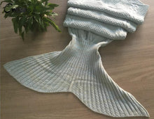 Load image into Gallery viewer, Cozy & Warm Mermaid Tail Blanket