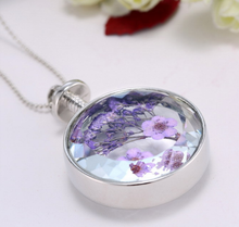 Load image into Gallery viewer, Real Dry Flower Pendant Necklace